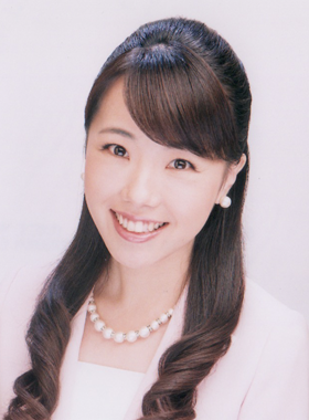 プラネットMCスクールの司会者:綾瀬ひろ子